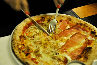http://hojeconhecemos.blogspot.com/2013/12/eat-pizzeria-mezzogiorno-lisboa-portugal.html