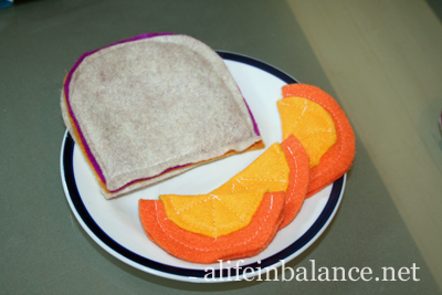 Felt Food for Kids: Peanut Butter and Jelly Sandwich and Orange Slices