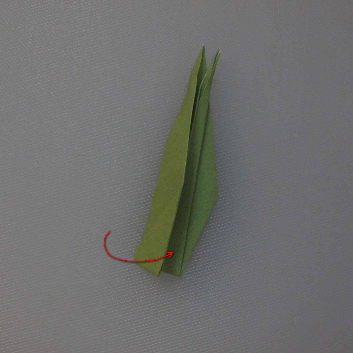 วิธีพับกระดาษเป็นดอกทิวลิป 025