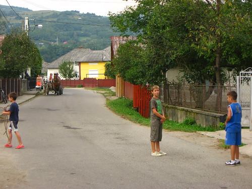 Румуни