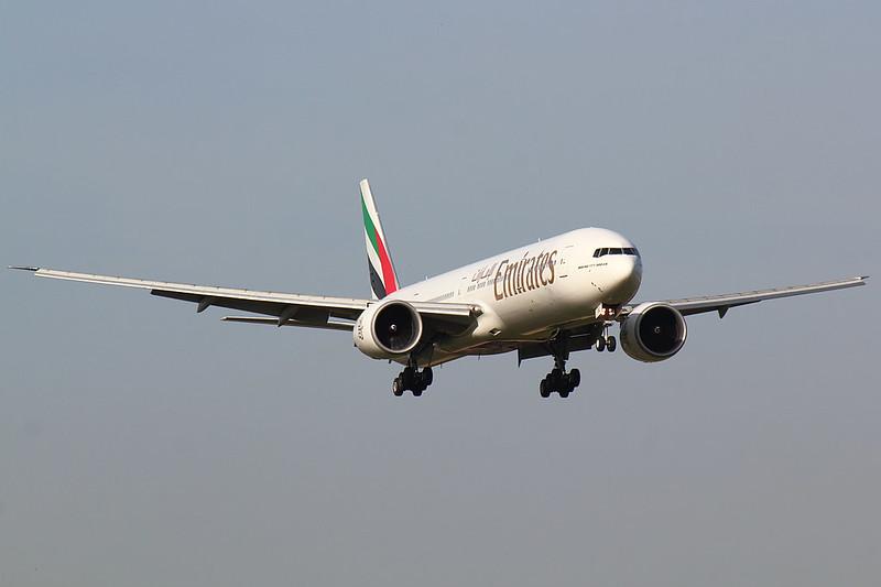 Emirates - B773 - A6-EBJ (1)