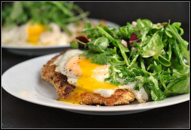 Crispy Baked Chicken with Egg and Arugula Salad 3