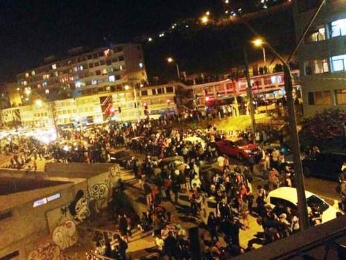 Evakuasi Warga Setelah Gempa 8,2 SR