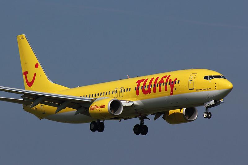 TUIfly - B738 - D-ATUL (1)
