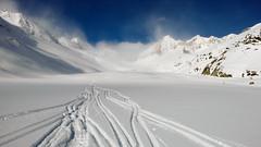 Lodowiec oberrargletscher, w oddali przełęcz Oberaarjoch (3012m).