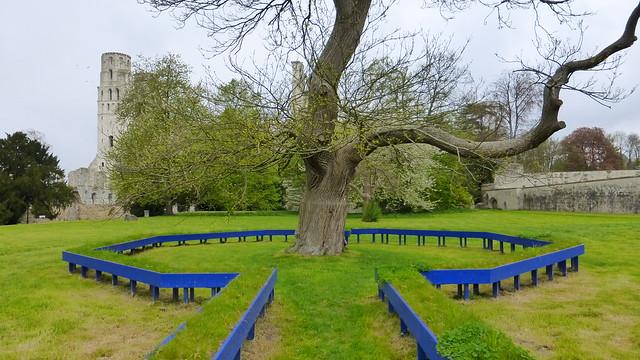 619 Mandala oublié Labyrinthe de méditation--Shigeko Hirakawa, Jumièges