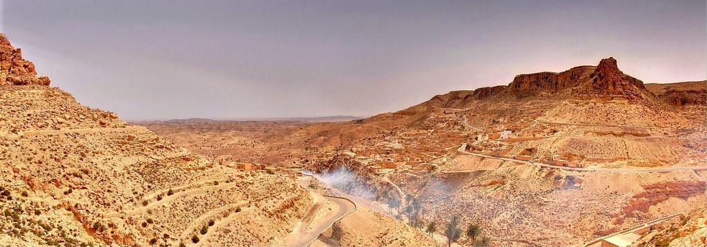 Sur la route de Chenini en Tunisie