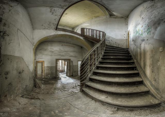 Villa of the lost children