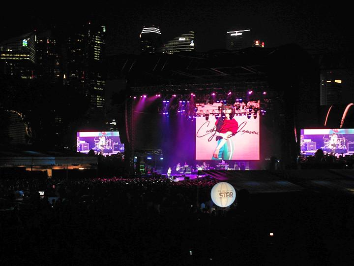 Carly Rae Jepsen  social star concert 2013