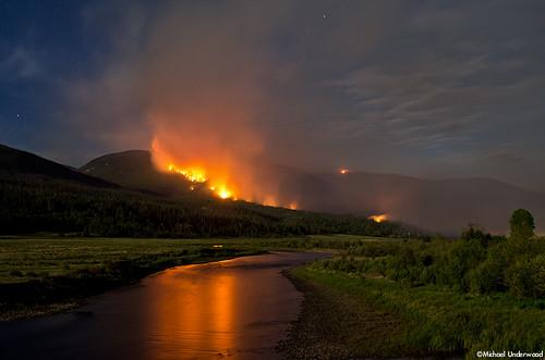 fire colorado smoke wildfire riogranderiver riograndenationalforest westforkcomplex papoosefire
