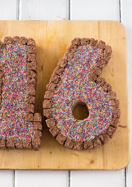 Raspberri Cupcakes Sweet 16 Cake