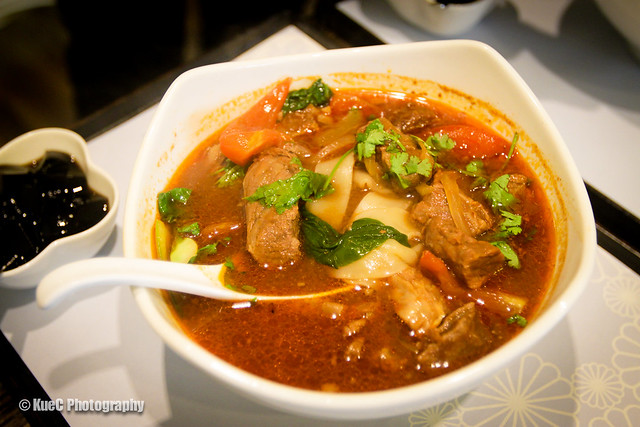 Pearl Castle: Tomato beef noodle - 番茄牛肉麵