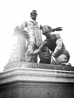 Imagen de Emancipation Monument. emancipationmonument newsprintfilter uploaded:by=flickrmobile flickriosapp:filter=newsprint