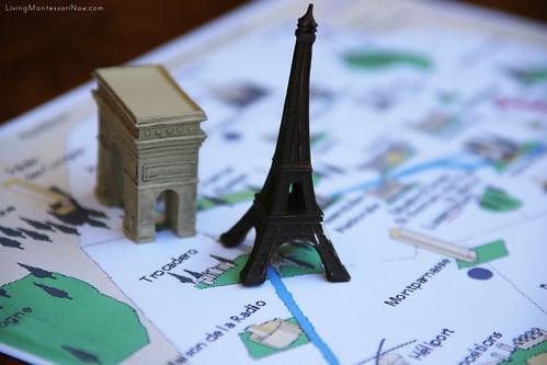 Paris Landmarks on Paris Map