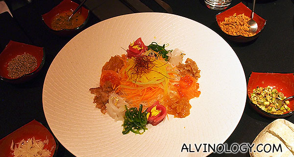 LP + Tetsu's Japanese yusheng - this resembles a traditional Chinese yusheng more than the French one