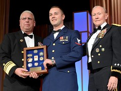 Vice Adm. Currier and Gen. Dempsey Present Award at USO Gala