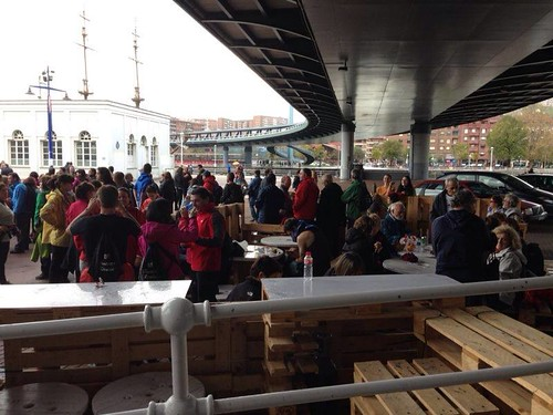 I primera edición de la marcha Desde Santurtzi a Bilbao a pie, organizada por el IMD de Santurtzi con motivo del 25 aniversario del mismo.