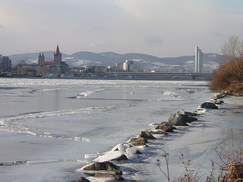 20. El río helado, a su paso por Viena. Autor, KF