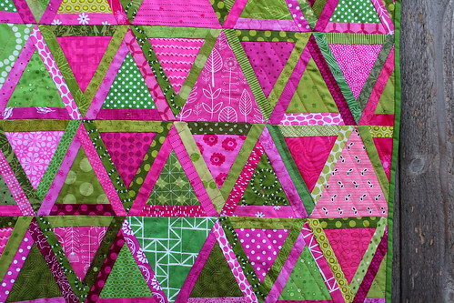 finished triangle quilt detail 2