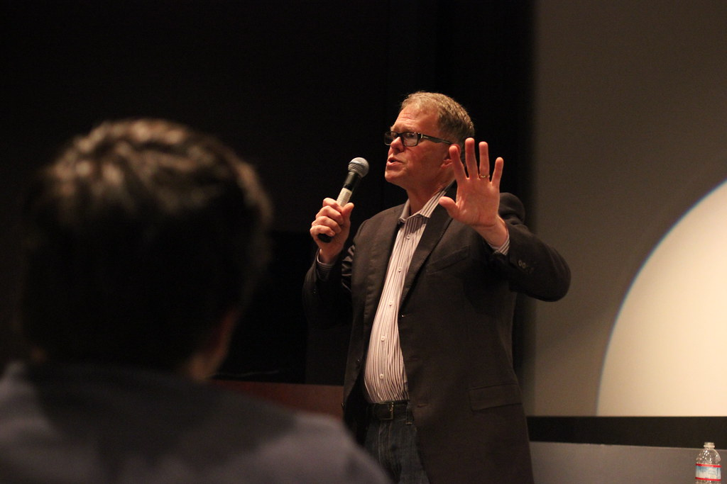 Screenwriter Sam Hamm during his speech in Coppola Theatre, located in the Fine Arts Building, Thursday, Feb. 20. Hamm is the second of three guest speakers featured in a screenwriting series hosted by Assistant Cinema Professor Julian Hoxter. Photo by Tony Santos / Xpress
