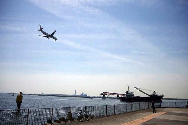 城南島海浜公園で飛行機とねこを撮る。_012