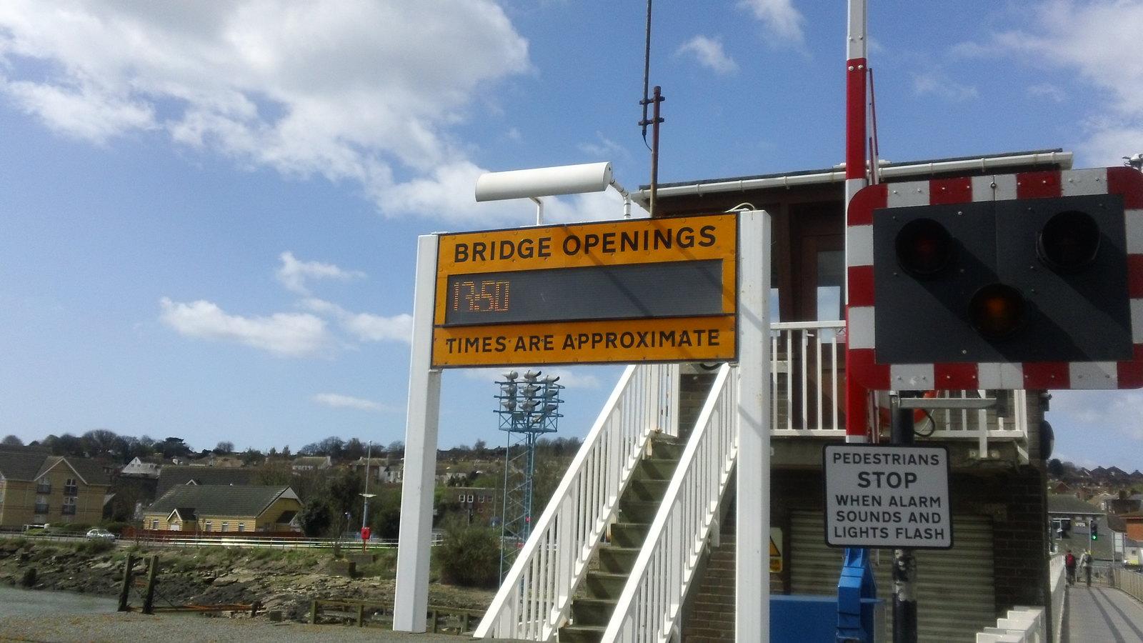 Bridge opening times Newhaven