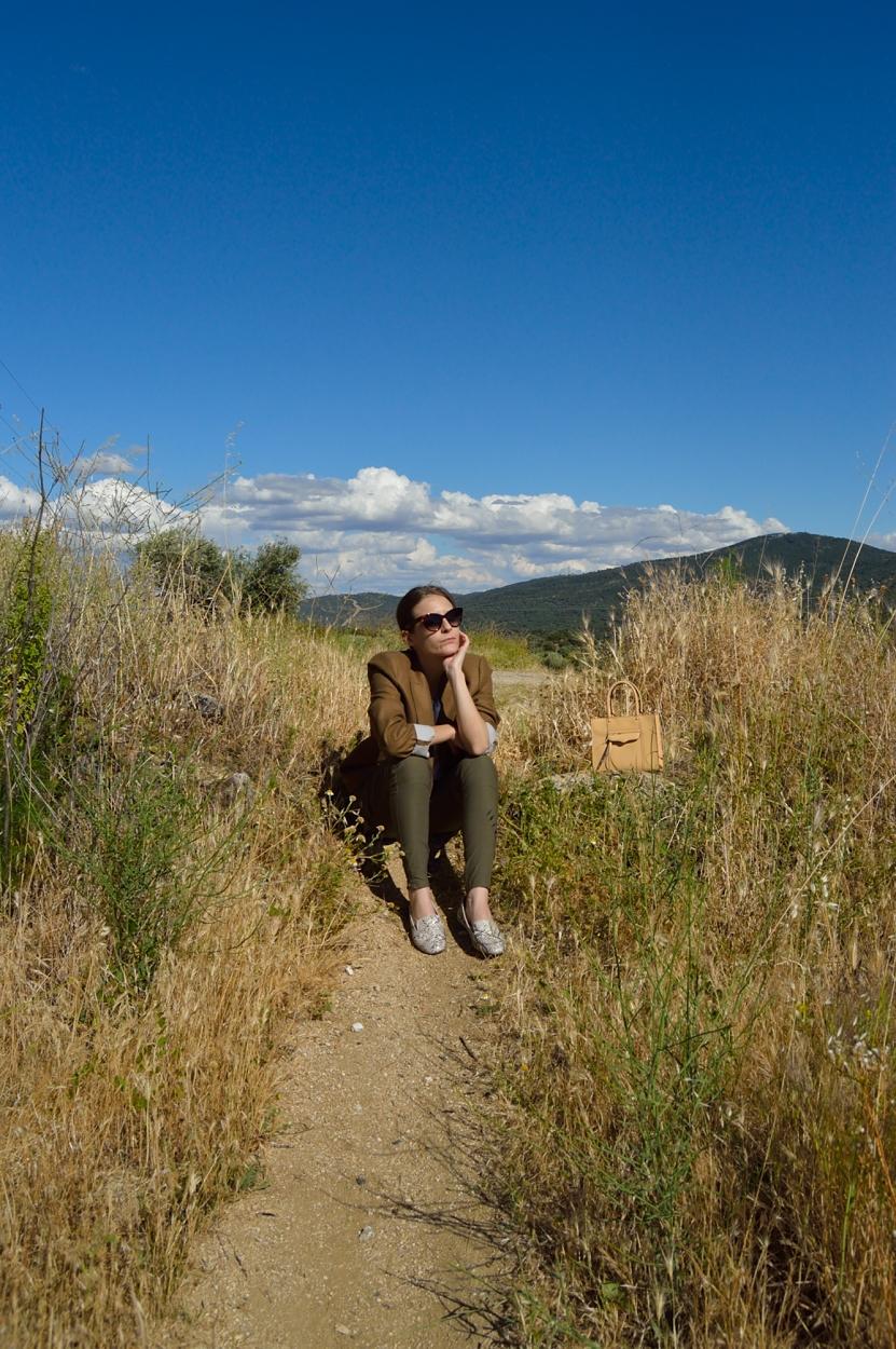 lara-vazquez-madlula-blog-style-earth-nature-look-tones
