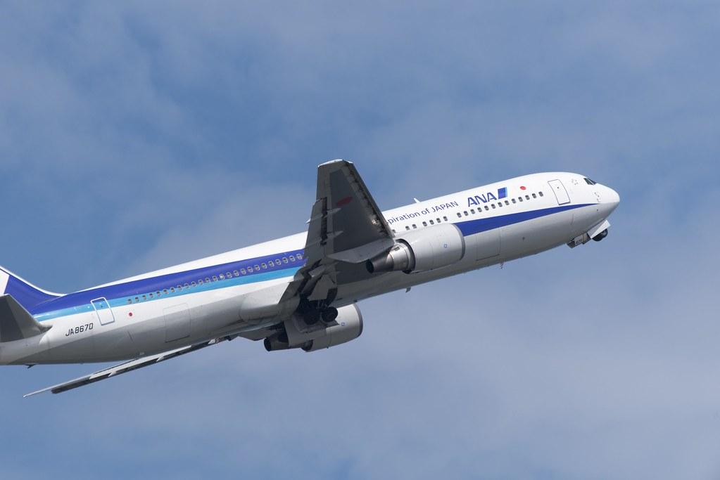 2015.07.18 ANA JA8670 Takeoff