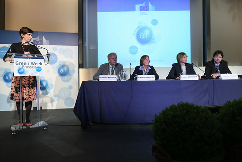 How do we monitor the quality of air in the EU? From measurement and reporting to modelling