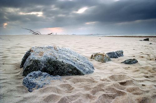 ocean city sunset sea cloud film beach stone analog 35mm landscape sand rocks europe branch ship fuji dunes poland polska baltic estuary negative analogue superia100 ostsee gdansk danzig gdańsk miasto trójmiasto canoneos300v pomorskie