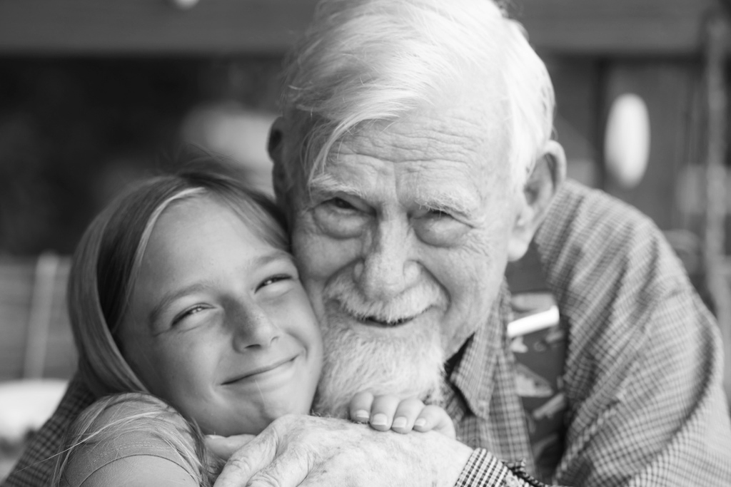 anna-grandfather_hug_bw