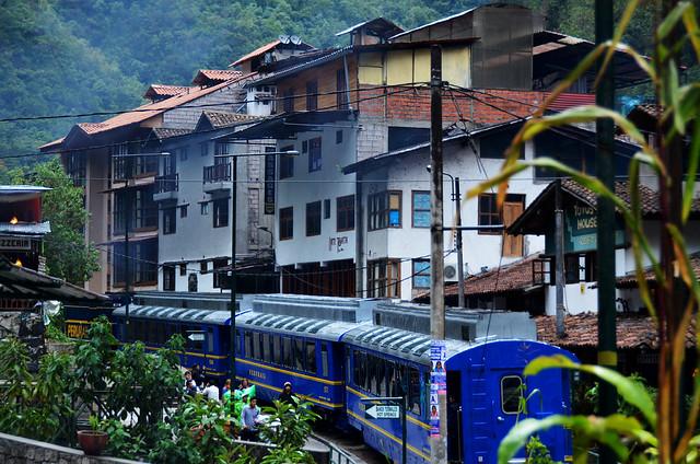 Tren de Aguascalientes en Perú camino a Machupicchu