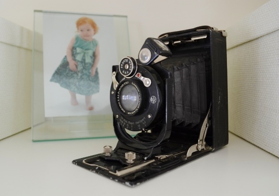 antique accordian camera
