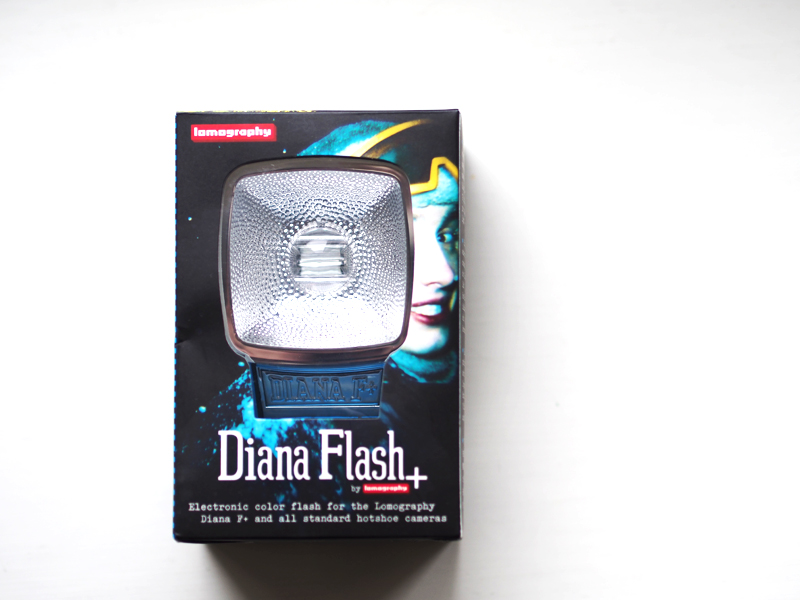 diana flash + electronic color flash