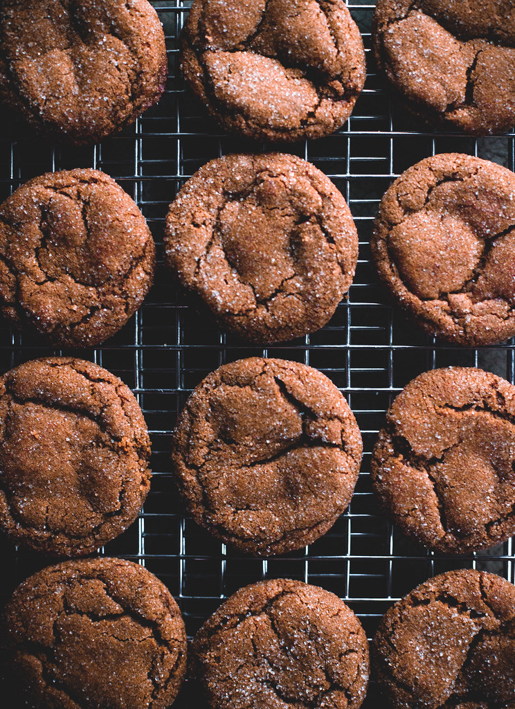 Smoky Cardamom Ginger-Molasses Cookies (+ a giveaway!)