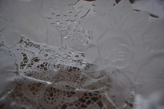 Bowl on lace