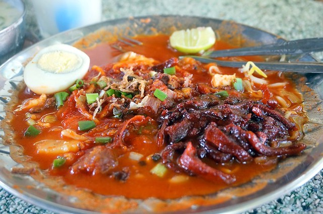 Mee Sotong Penang & Coconut Shake - (Halal) at Padang Kota (Esplanade) -012