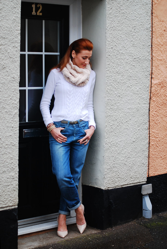 White sweater, boyfriend jeans, nude pointed heels