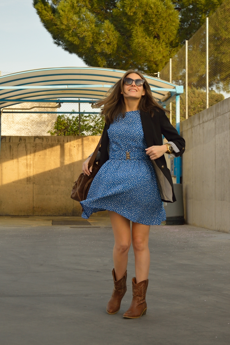 lara-vazquez-madlula-blog-streetstyle-blue-dress