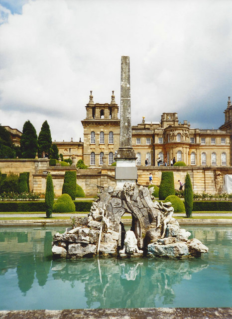 Blenheim_fountain_web
