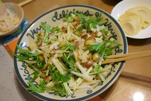 水菜と筍と茗荷と大根と胡瓜の糠漬けと....ああ美味い(^○^)