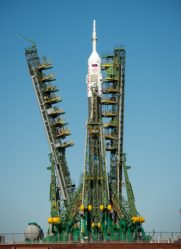 Expedition 36 Soyuz TMA-09M Rollout (201305260028HQ)