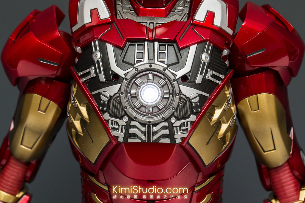2013.06.11 Hot Toys Iron Man Mark VII-044