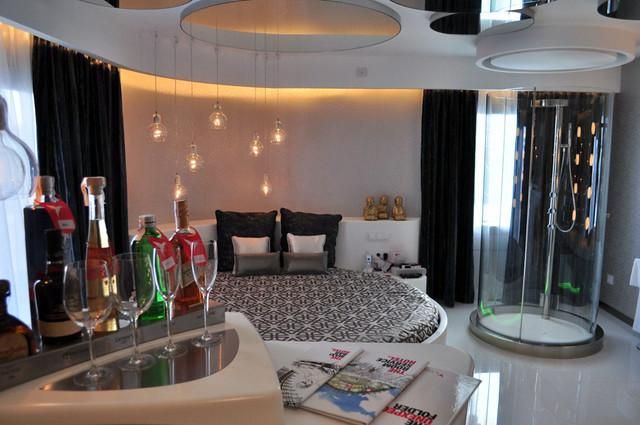 Habitación del hotel, situado en The Tower, con habitaciones exclusivas y espaciosas Ushuaïa Ibiza, la #experiencia más completa de la isla - 9329296460 7c2980f41f z - Ushuaïa Ibiza, la #experiencia más completa de la isla