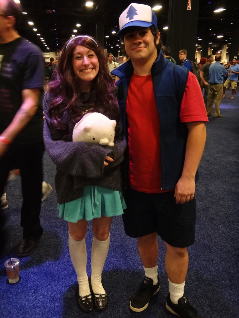 Boston Comic Con 2013 Gravity Falls cosplay Mabel Waddles Dipper Pines