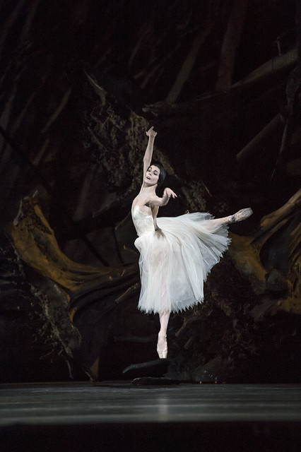 Natalia Osipova as Giselle in Giselle © ROH / Bill Cooper 2014