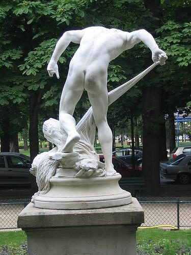 IMG 8904 _ Pêcheur ramenant la tête d'Orphée dans ses filets (1883), Louis-Eugène Longepied (1849-1883), Marbre, Jardins du Ranelag, Paris