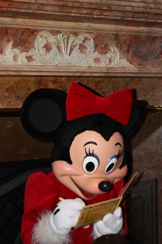 Un séjour pour la Noël à Disneyland et au Royaume d'Arendelle.... - Page 4 13693395485_64f17d82ce_b