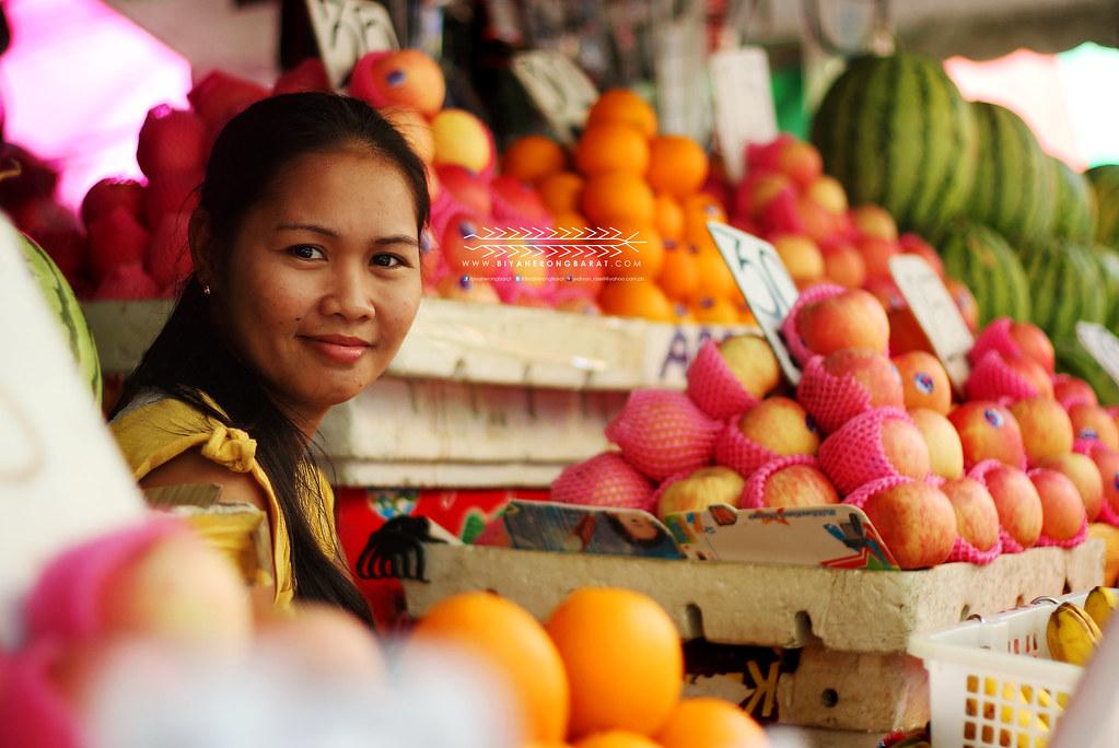 Fruit vendor in Tuguegarao City Cagayan
