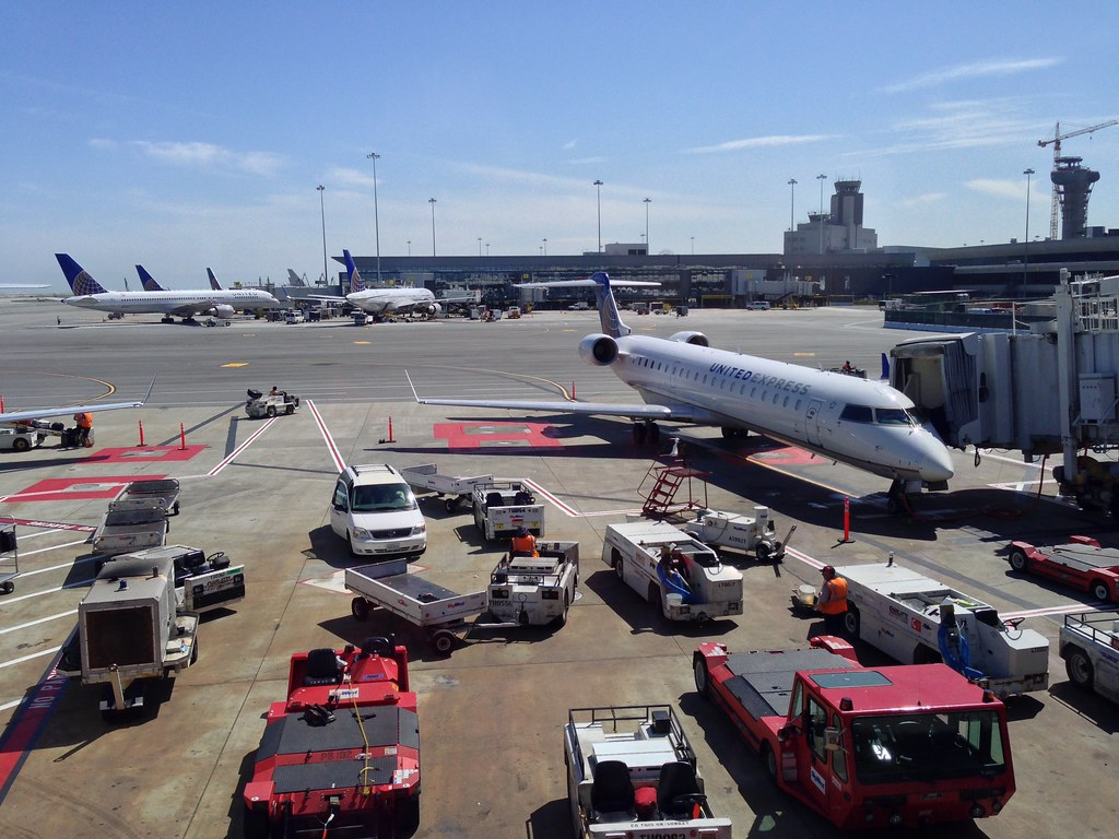 United Express CRJ-700 regional jet